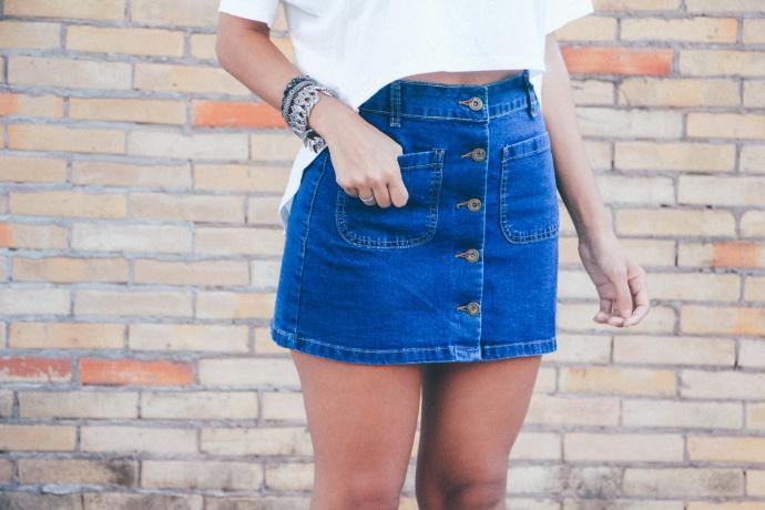 saia jeans com botões