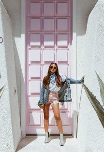 That pink door, você conhece?